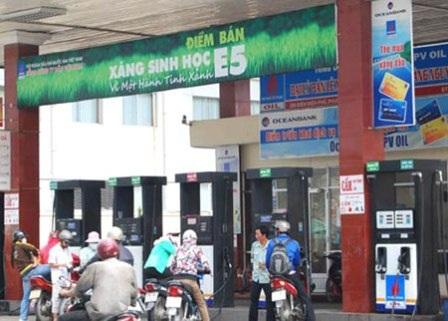 Một cửa hàng bán xăng sinh học