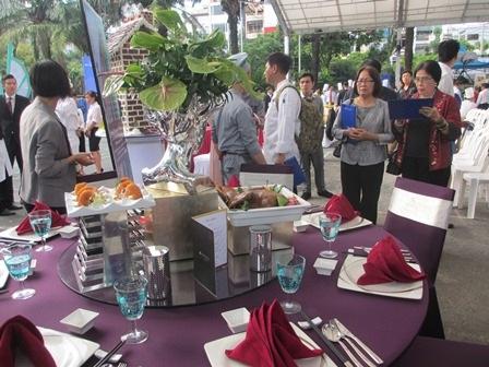Liên hoan ẩm thực thu hút du khách thưởng lãm