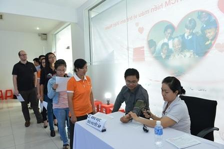 Hơn 100 đơn vị máu được tích trữ để giúp trẻ em Việt Nam