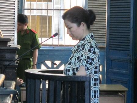 Quý bà giả danh nhân viên an ninh sân bay Tân Sơn Nhất đi lừa đảo