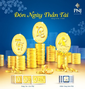 Nhiều người tin rằng, xuất tiền mua vàng đầu năm sẽ đem lại rất nhiều may mắn trong năm mới