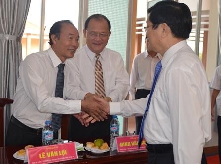 Chủ tịch nước Trương Tấn Sang thăm hỏi cán bộ hưu trí, lãnh đạo chủ chốt tỉnh Long An