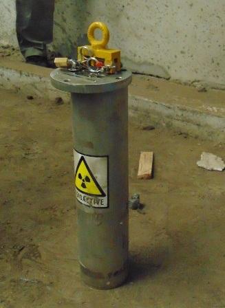 Thiết bị phóng xạ Co-60 vẫn bặt vô âm tín (Ảnh: Nguyễn Nam).
