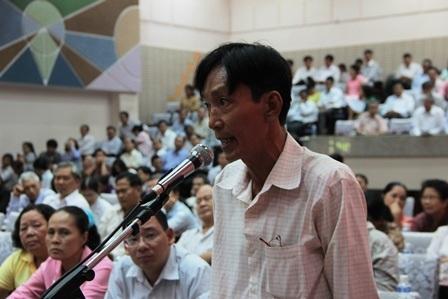 Các cử tri phát biểu tại hội nghị