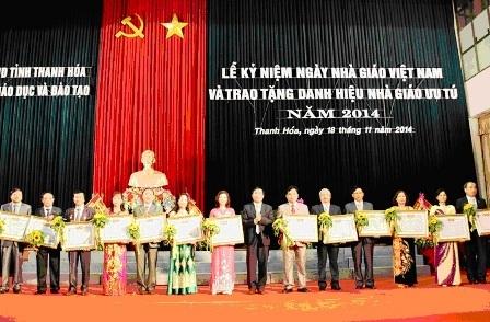 Thanh Hóa: 13 cá nhân được phong tặng danh hiệu Nhà giáo ưu tú