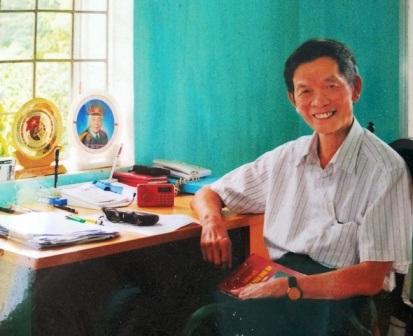 Mỗi khi nhớ về ký ức thời máu lửa, ông Chi lại đem đàn ra hát những bài ca sống mãi với thời gian.