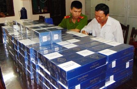 Số thuốc lá lậu cơ quan công an thu giữ được từ đối tượng Lê Thành Công.