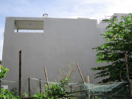 Những căn nhà mới xây dựng không phép.