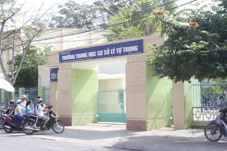 Trường THCS Lý Tự Trọng (TP Trà Vinh), nơi xảy ra vụ việc.