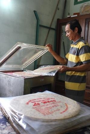 Sản phẩm bánh tráng ở Cù Lao Mây đã được xuất khẩu trong dịp tết