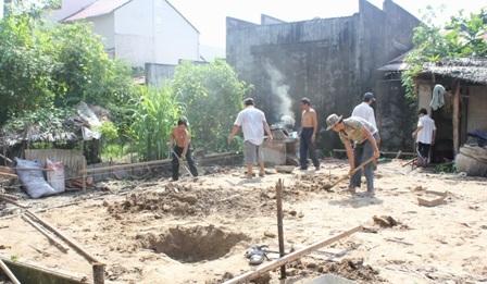 Đơn vị thi công tháo dỡ căn nhà cũ để xây nhà mới
