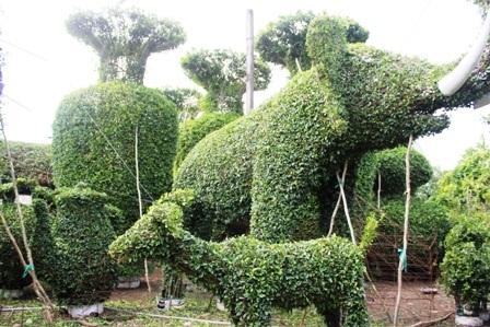 Những con vật được tạo hình từ cây cảnh rất độc đáo