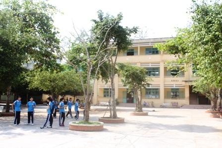 Trường THCS Lý Tự Trọng, nơi xảy ra sự việc nữ sinh lớp 7 bị đánh hội đồng.