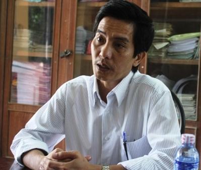 Ông Phan Thanh Nguyên, bị cách chức hiệu trưởng