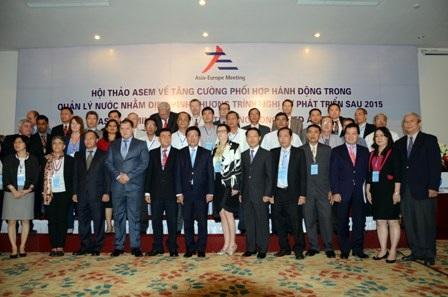 Các đại biểu trong và ngoài nước tham dự hội thảo