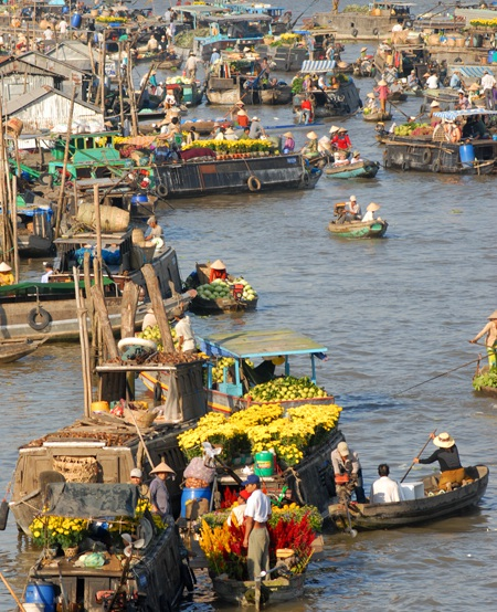 Chợ nổi Phong Điền tấp nập những ngày giáp Tết