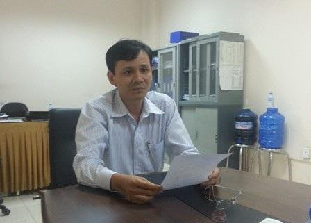 Ông Huỳnh Tâm Trí tiếp xúc với PV