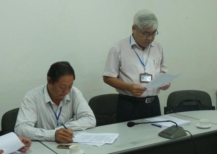Ông Bùi Đức Phong, Phó chánh Thanh tra BYT đọc Quyết định kiểm tra trang thiết bị y tế tại Cần Thơ