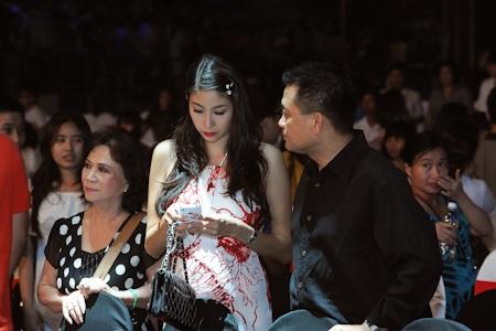 Vợ chồng Hoa hậu Hà Kiều Anh cũng xuất hiện.