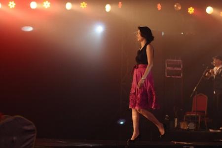 Hoa hậu Hà Kiều Anh trên sàn catwalk