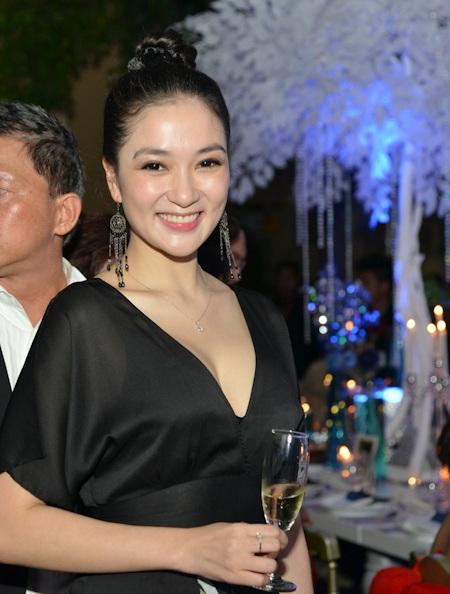 Hoa hậu Nguyễn Thị Huyền