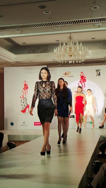 Phim nói về thời trang nên sẽ có sự góp mặt của nhiều người mẫu