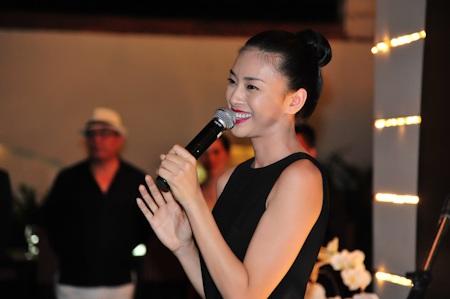 Johnny Trí Nguyễn mừng sinh nhật Ngô Thanh Vân - 11