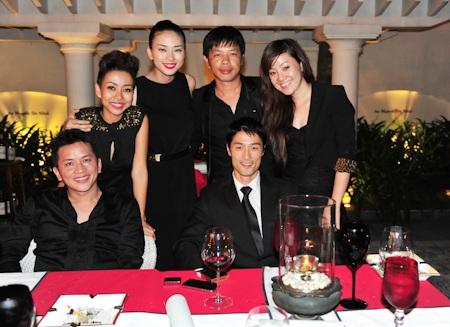 Johnny Trí Nguyễn mừng sinh nhật Ngô Thanh Vân - 17