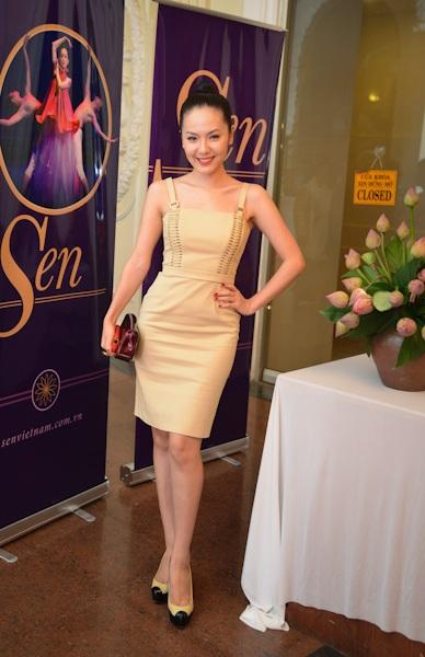 Ca sĩ Phương Linh
