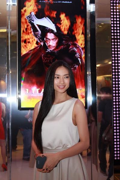 Ngô Thanh Vân đẹp dịu dàng trong buổi ra mắt.
