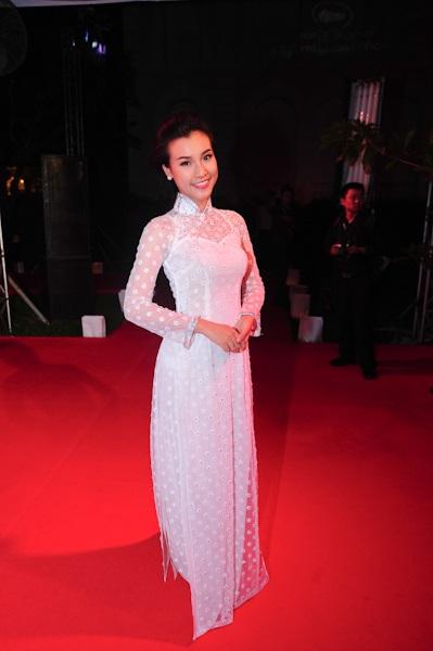 Hoa hậu Việt Nam qua ảnh Hoàng Oanh