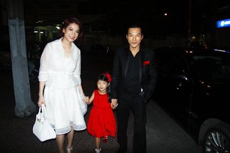 Gia đình 3 người hạnh phúc của Trương Ngọc Ánh - Trần Bảo Sơn