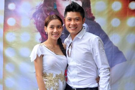 Vợ chồng Nguyễn Văn Chung tới chia vui cùng Thanh Thảo