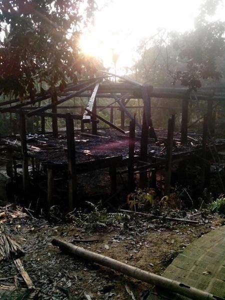 Di sản hơn 100 năm tuổi đã bị cháy vụn trong chốc lát