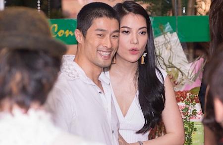 Johnny Trí Nguyễn cũng góp mặt