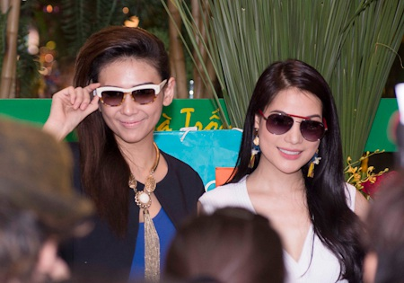 Hoàng Yến tái xuất sau tai nạn, cô đến dự sinh nhật Trương Ngọc Ánh