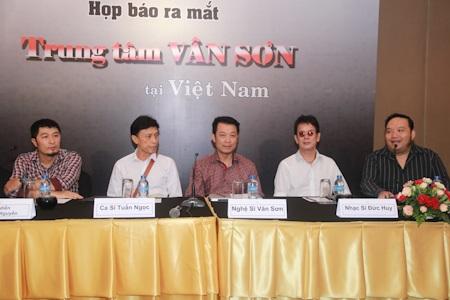 Charlie Nguyễn đảm nhận vai trò Đạo diễn cho các chương trình của Vân Sơn
