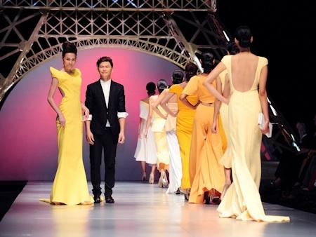 Hoàng Minh Hà và các thiết kế của mình