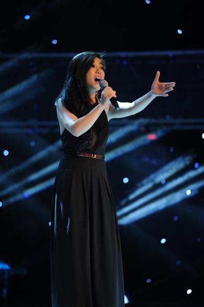 Ngô Huỳnh Trúc Vy là một ca sĩ phòng trà và cô chọn