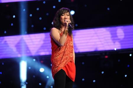 Phạm Thanh Trúc mở đầu tập 5 với ca khúc
