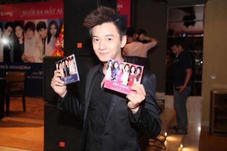Ngô Kiến Huy cũng góp mặt trong album