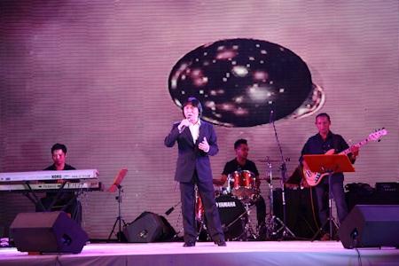 Ca sĩ Quang Lý thể hiện 3 ca khúc