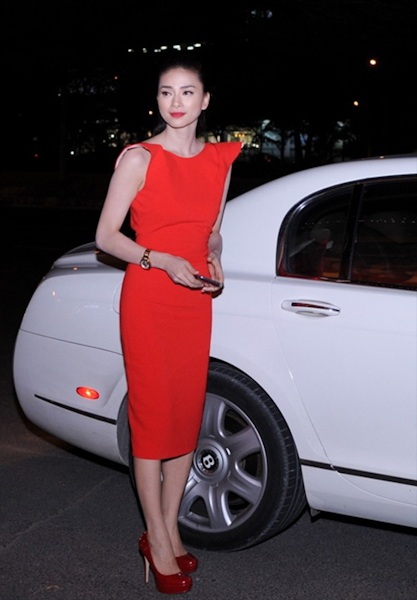 Ngô Thanh Vân và chiếc siêu xe của mình