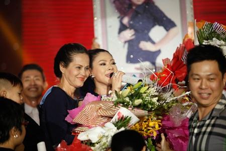 Bạn bè tới mừng liveshow Thanh Thảo
