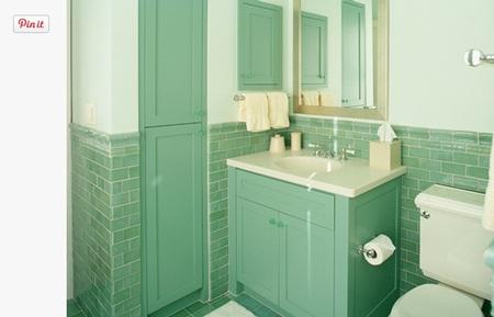 Phòng tắm xinh đẹp với màu xanh kết hwpj cùng trắng sứ