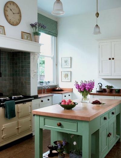 Màu xanh bạc hà kết hợp với mặt bàn màu đào.