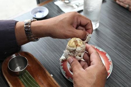 Bánh donut mật ong của Peru làm từ khoai lang và rưới thêm sốt mật ong