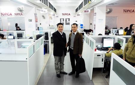Lãnh đạo Topica chào đón quản lý mới tại văn phòng