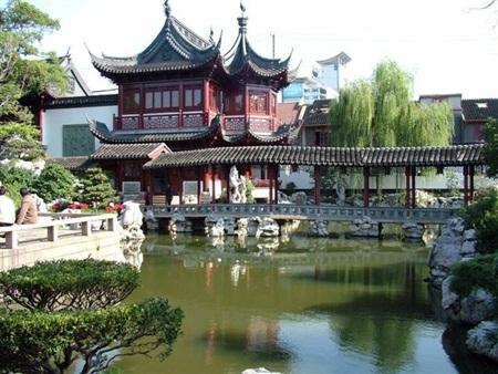 Dự Viên im đậm lối kiến trúc nhà vườn Trung Hoa
