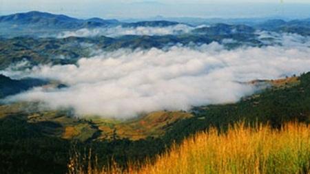 Mây phủ đèo Hải Vân